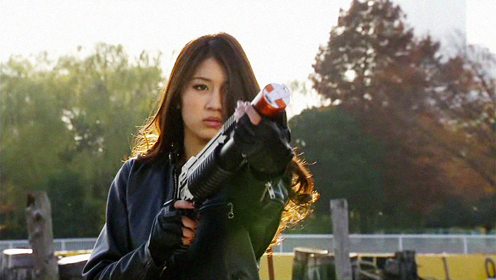 Kamen Rider OOO 19-20: bromances, badass chicks, escaped convicts and and peacocks